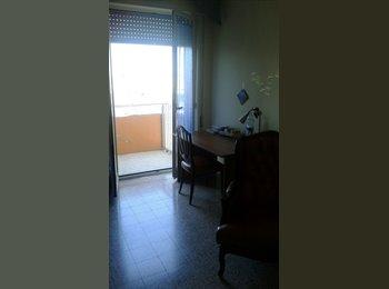 EasyStanza IT - Stanza viale unità d'Italia 48, Bari - € 250 al mese