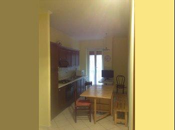 EasyStanza IT - fittasi stanza singola in bellissimo appartamento , Don Bosco-Cinecitta' - € 350 al mese