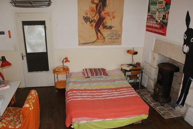Colocation à Bourges - chambre meubler chez l'habitant , 17 m2 , hyper centre ville . | Appartager - Image 1