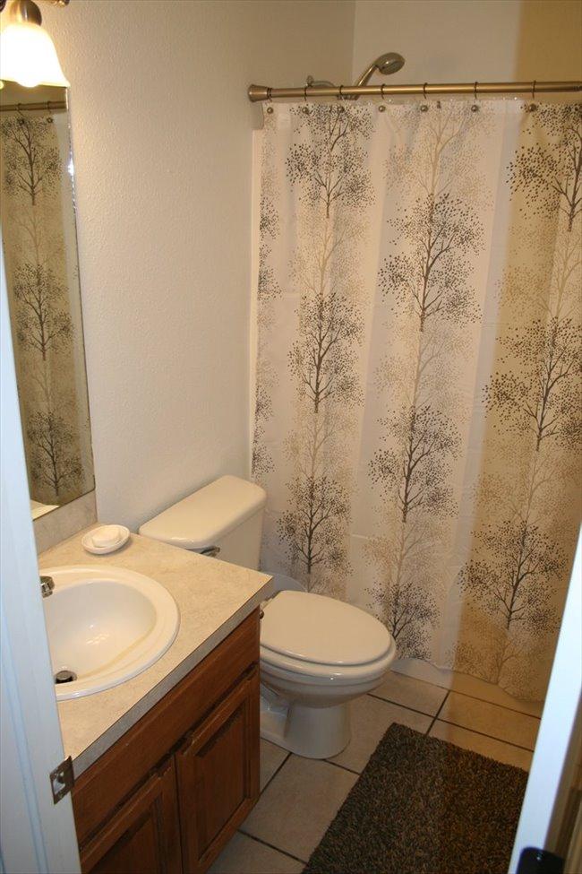 Room for rent in Broken Arrow - Roommate Needed - Image 3