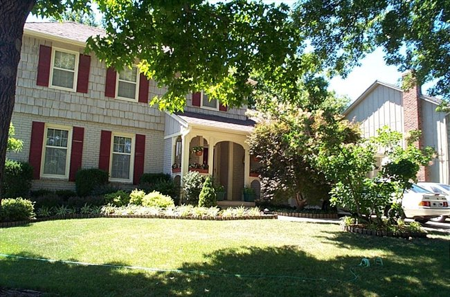 Room for rent in Overland Park - Fully furnished, All Utilities, HouseKeeper, Exercise Equipment and HS Internet Included - Image 2