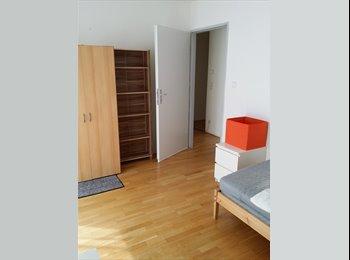 EasyWG AT - Möbliertes WG-Zimmer mit Terrasse ab sofort, Wien - 400 € pm