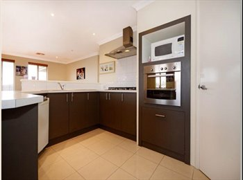 EasyRoommate AU - Cosy home with room for rent, Woodbridge - $200 pw
