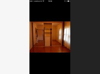 EasyRoommate AU - Room for Rent , Oatlands - $175 pw