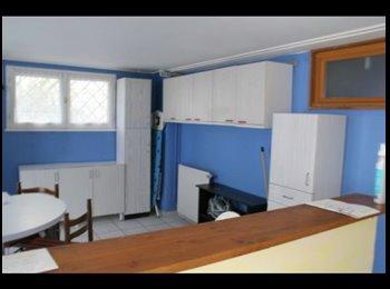 Appartager FR -  colocation tranquille  meublé, Saint-Fons - 500 € /Mois
