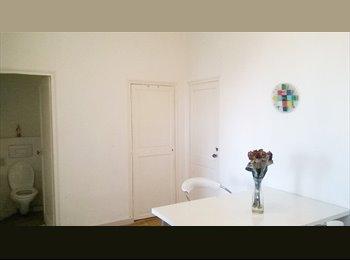 Appartager FR - COLOC SYMPA DANS T3 MEUBLÉ , Marseille - 487 € /Mois