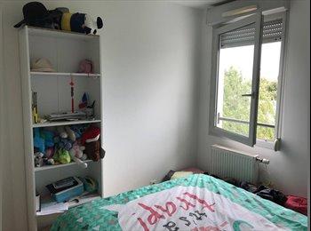 Appartager FR - Chambre libre dans colocation 90m2, La Mulatière - 350 € /Mois