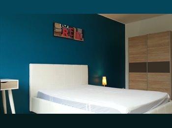 Appartager LU - Chambre meuble pres de Kirchberg et centre, Luxembourg - 600 € / Mois