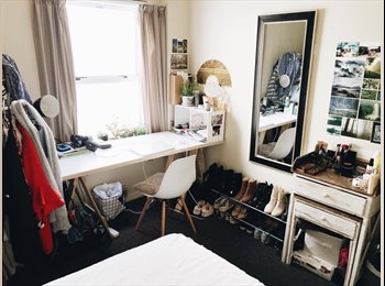 NZ - Room available in central spacious apartment with 5 other students!, Wellington - $175 pw