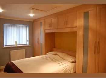 EasyRoommate UK - **DOUBLE EN-SUITE ROOM FULWOOD PRESTON MUST SEE**, Preston - £400 pcm