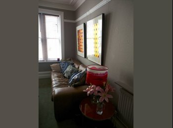 EasyRoommate UK - Beautiful big room in fantastic central location, Holborn - £1,200 pcm