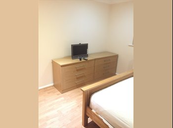 EasyRoommate UK - Spacious fully furnished Double room with en suite, Milton Keynes - £650 pcm