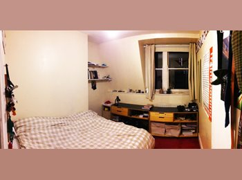 EasyRoommate UK - Whitechapel E1, Double Room, Large Flat, Stepney - £520 pcm