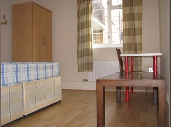 EasyRoommate UK - Double Room available, Kingsdown - £495 pcm