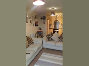 EasyRoommate UK - Central Southampton, 5 mins to city centre, 1 min to central station, The Polygon - £425 pcm