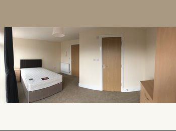 EasyRoommate UK - Brand New Complex - 1 ROOM LEFT AVAIL 9/10/17, Temple Meads - £695 pcm