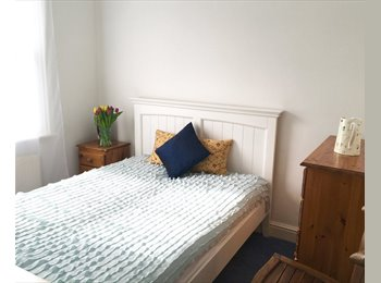 EasyRoommate UK - Lovely double room near the river in Fulham, Hammersmith - £960 pcm