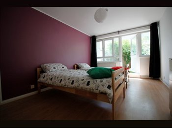 EasyRoommate UK - Twin room in quiet area close Shadwell, Stepney - £780 pcm