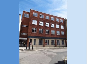 EasyRoommate UK - Self-contained Bronze Studio Flat Available Now , Southampton - £650 pcm