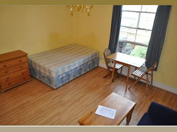 EasyRoommate UK - Studio To Rent In Great Location, Hammersmith - £715 pcm