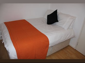 EasyRoommate UK - CUTE double in MODERN House with GARDEN, Cubitt Town - £780 pcm