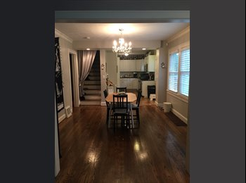 EasyRoommate US - Professional looking for Roommate, West Bottoms - $500 pm
