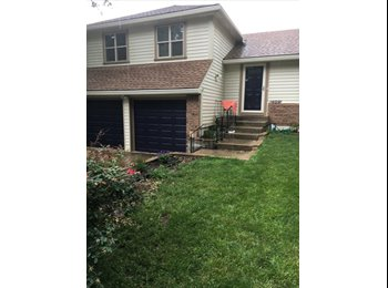 EasyRoommate US - Room for Rent in Single family home, Olathe - $600 pm