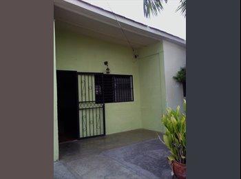 CompartoApto VE - Alquilo habitación a Dama responsable sin hijos que estudie y/o trabaje , Barquisimeto - BsF 40.000 por mes
