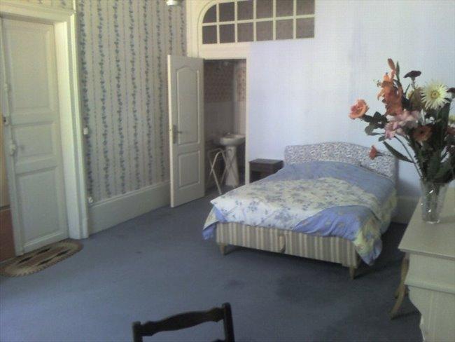 Colocation à Moulins - chbre meublée à moulins tout confort | Appartager - Image 1