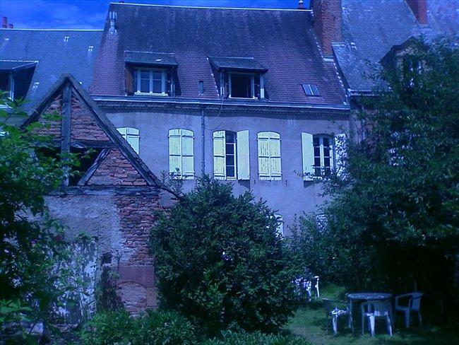 Colocation à Moulins - chbre meublée à moulins tout confort | Appartager - Image 3