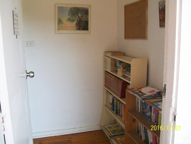 Room to rent in Elizabeth Town - Comfortable Budget Accomodation - Image 7