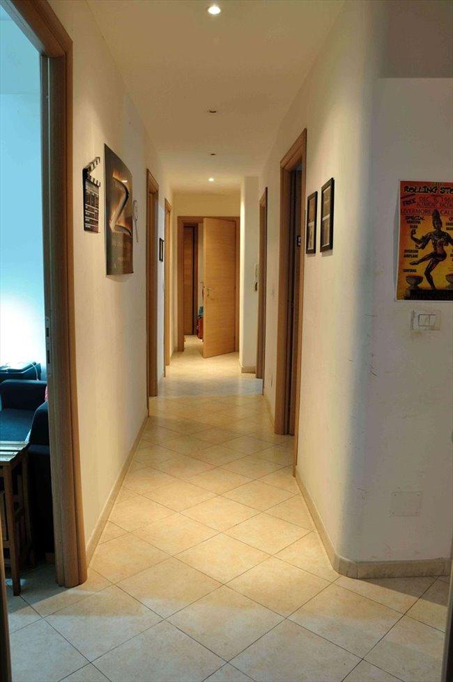 Stanze e posti letto in affitto salario trieste camera for Affitto roma salario