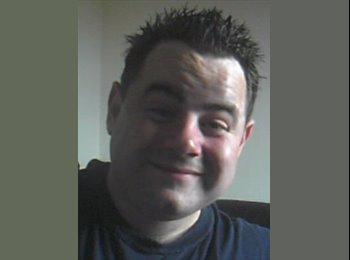 EasyRoommate UK - David - 33 - Livingston