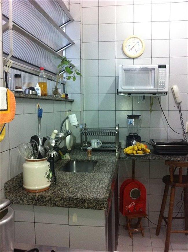 Aluguel kitnet e Quarto em Copacabana - Quarto casal aconchegante; | EasyQuarto - Image 7