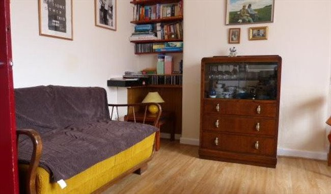 Room to rent in Hillington - Students preferred but others also welcome: - Image 8