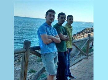 EasyPiso ES - Ayoub - 18 - Malaga