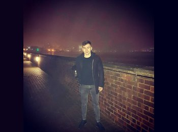 EasyRoommate UK - Stefan - 24 - Bournemouth