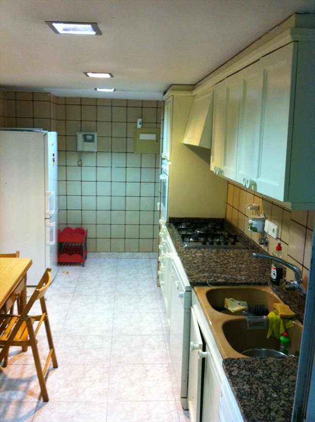 Piso Compartido en Valencia - alquiler Habitacion Estudiantes | EasyPiso - Image 3