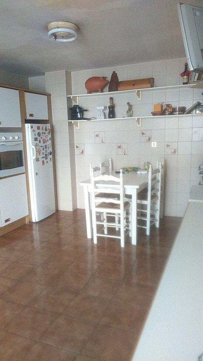 Piso Compartido en Sevilla - 1 HABITACIONES LIBRE! SOLO DOS PERSONAS COMPARTEN 1 BAÑO   EasyPiso - Image 3