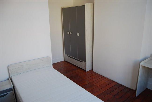 Colocation à Rue Frans Binjé, Schaerbeek - Chambre étudiante/stagiaire dans triplex (Ch.2) | Appartager - Image 1