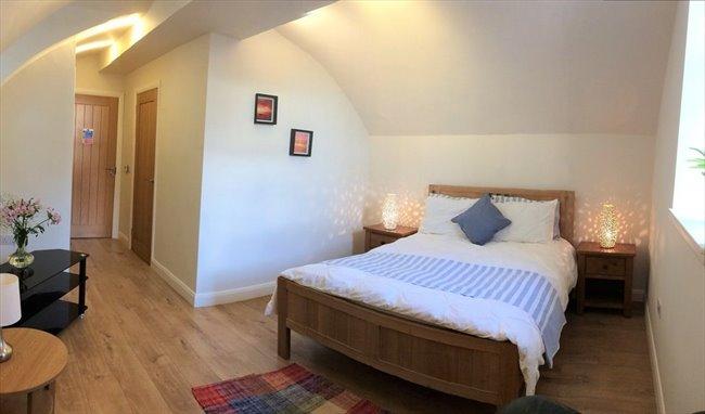 Room to rent in Saint Michael Street, Dumfries -  en-suite double rooms between town centre and uni/hosp - Image 1