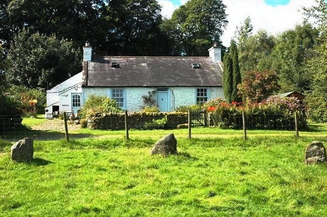 Room to rent in Barnsoul Cottages, Irongray - Room rental in stunning country cottage  - Image 1