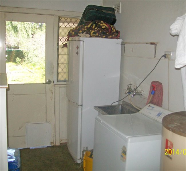 Room to rent in Donhead Street, Elizabeth - Comfortable Stable Budget Accomodation - Image 5