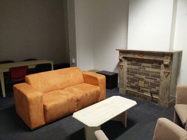 Colocation à Rue léopold dupuis, 1, La Louvière, Hainaut - Maison pour 4 personnes meublée a partir de 290€ | Appartager - Image 8