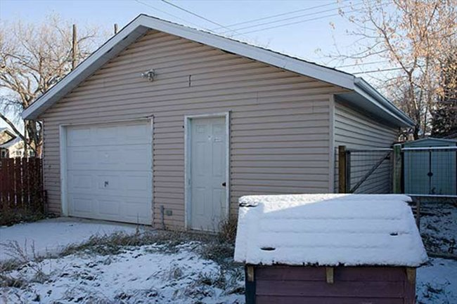 Room for rent in Ave I North, Saskatoon Area - Shared Accomodation BRIGHT BEAUTIFUL HOUSE!   - Image 2
