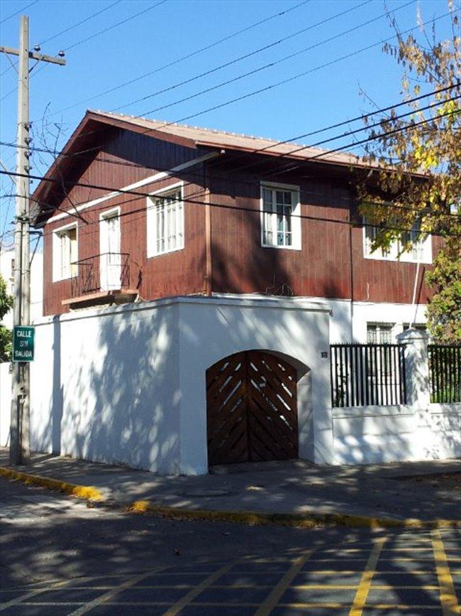 Pieza en arriendo en Doctor Johow, Ñuñoa - Casona Plaza Ñuñoa | CompartoDepto - Image 1