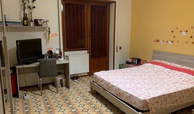 Stanze e Posti Letto in Affitto - Via Mario Cora, Roma - TOR VERGATA AFFITTASI  A STUDENTESSE  STANZE  SINGOLE   EasyStanza - Image 8