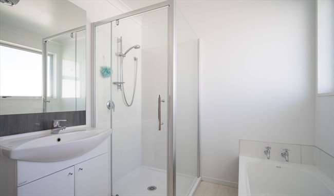 Room to rent in Strickland Street, Christchurch - 7 Bedroom  refurbished home - Image 3