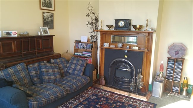 Room to rent in Wychbury Street, Christchurch - Couple?  New to ChCh.? - Image 3