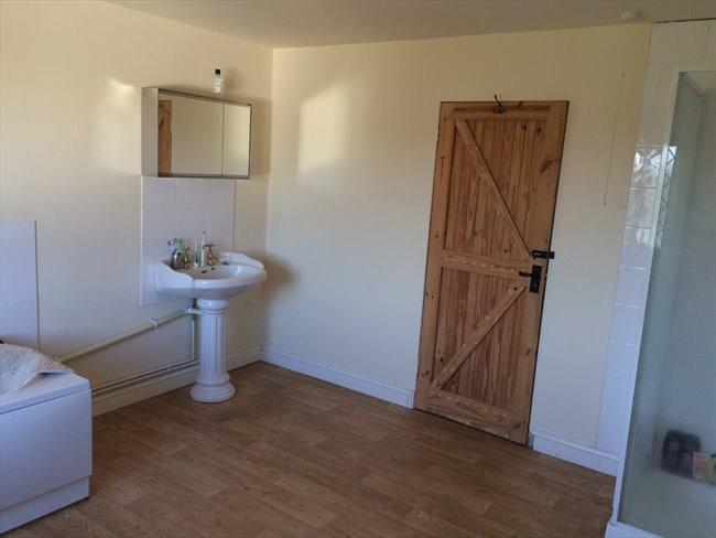 Room to rent in Bonnington Walk, Bristol - Fantastic Detached Cottage - Image 4